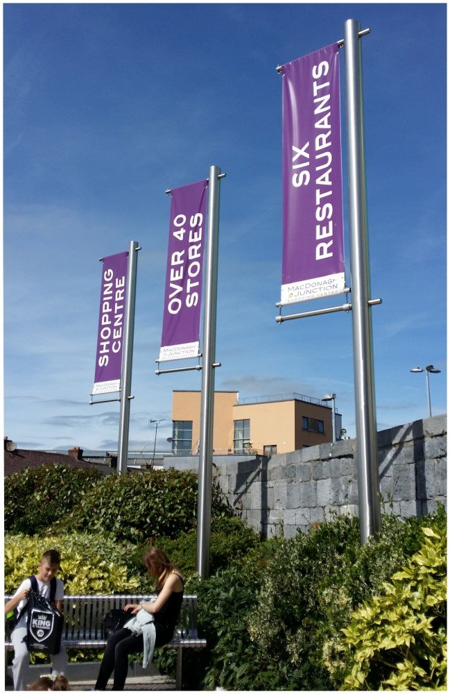 Projecting Banners Wall or Pole Mounted